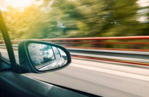 Jakich działań należy unikać, gdy wypożyczalnia aut odda samochód do naszej dyspozycji?